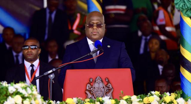 Tshisekedi salue la mémoire du président disparu Magufuli