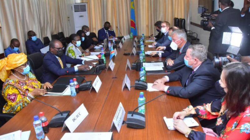 Nicolas Kazadi et des ambassadeurs parlent blanchiment d'argent et financement du terrorisme